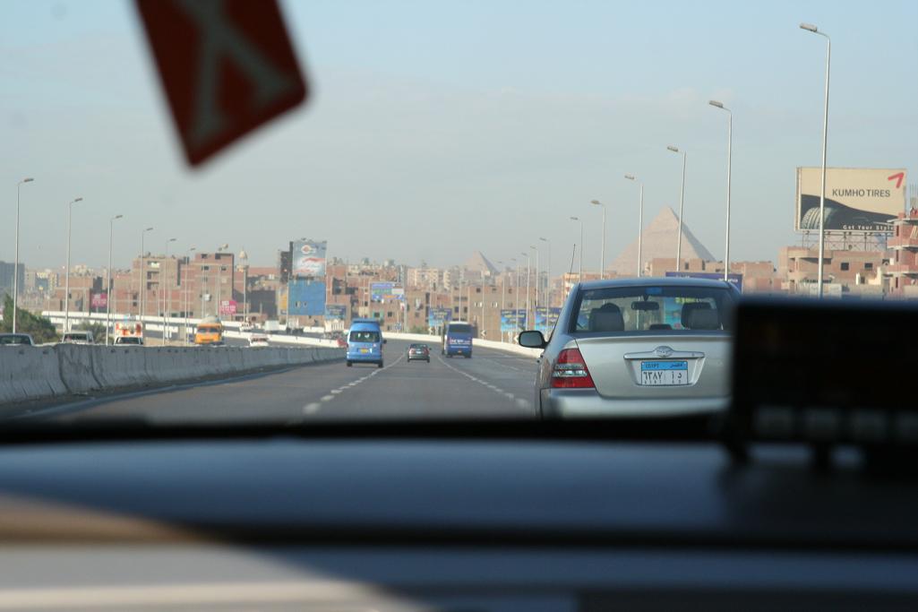 taxi pyramids