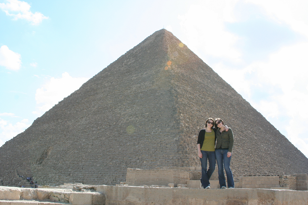 twins at the great pyramid